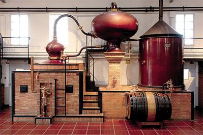 Distillation alambic charentais